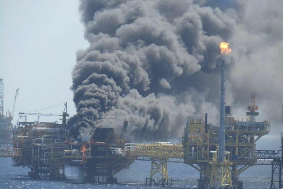 Вибух на платформі в Мексиці скоротив видобуток нафти на чверть
