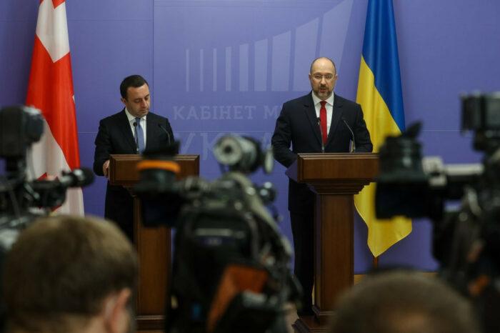 Україна і Грузія домовилися розвивати транзитні перевезення