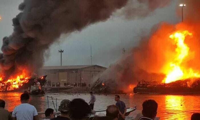 В іранському порту згоріли суда з вантажем