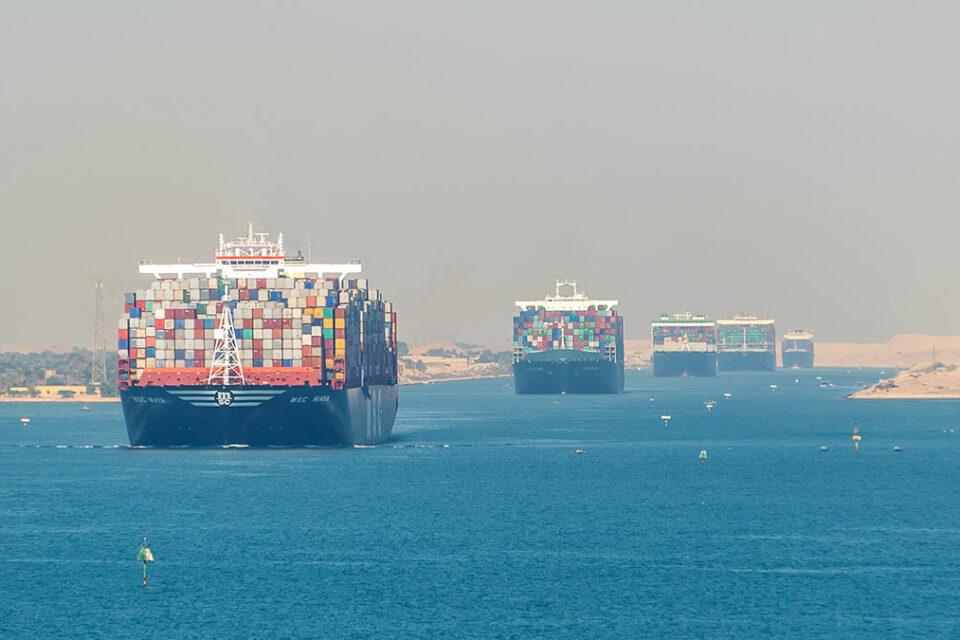 Незважаючи на Ever Given: доходи від Суецького каналу зросли