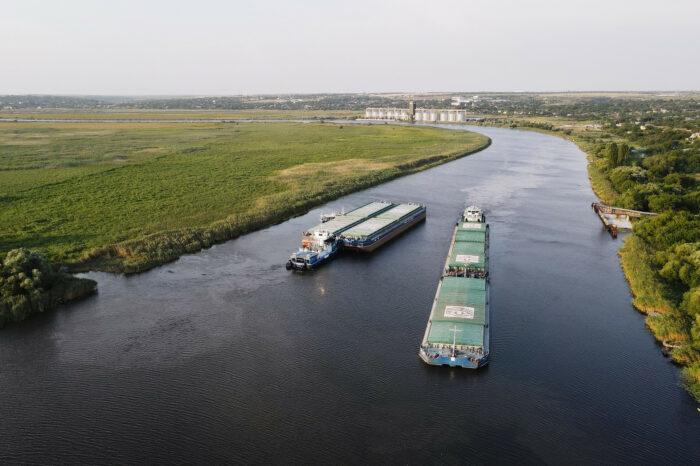 «Нібулон» перевіз рекордну кількість вантажів річкою
